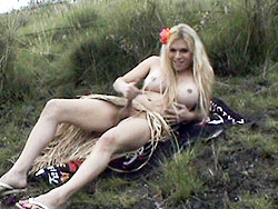 Hula girl jesse. Horny TS Jesse Exposes Her dick As A Hula Girl